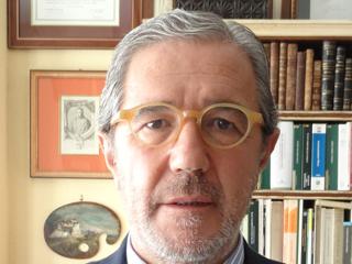 Santiago Souvirón, candidato al colegio de abogados de Málaga